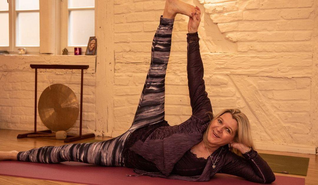 Yoga mit Schwerpunkt Kräftigung der Rücken- und Bauchmuskulatur